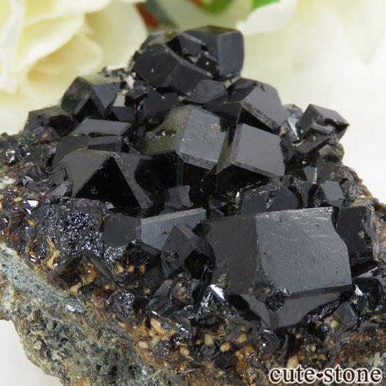 マリ ケーズ産 メラナイト(アンドラダイトガーネット)の母岩付き結晶(原石) 83gの写真2 cute stone