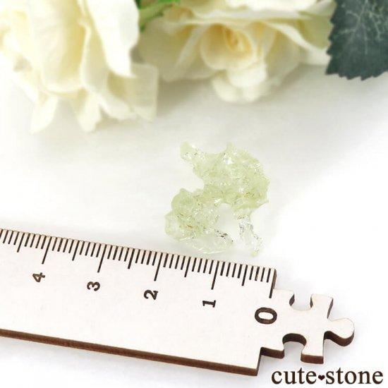 ブラジル産 エッチング(蝕像)ヘリオドールの結晶(原石) 2.7gの写真3 cute stone