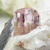 パキスタン カットラン産 ピンクトパーズ (インペリアルトパーズ)の母岩付き結晶 (原石) 34.8gの画像