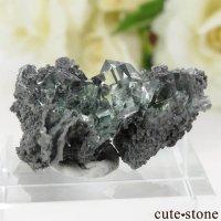 中国 Xianghualing Mine産 グリーンフローライトの母岩付き結晶(原石)8.3gの画像