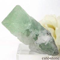 中国 Xianghualing Mine産 八面体グリーンフローライト&水晶の原石 51.2gの画像