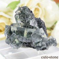 中国 Xianghualing Mine産 グリーンフローライトの母岩付き結晶(原石)10.2gの画像