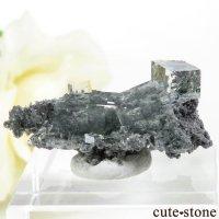 中国 Xianghualing Mine産 グリーンフローライトの母岩付き結晶(原石)4gの画像