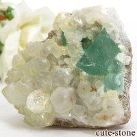 南アフリカ 産 八面体グリーンフローライト&クォーツの母岩付き結晶(原石)78gの画像