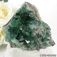 イングランド ダイアナマリア鉱山産 蛍光フローライト&クォーツの母岩付き結晶(原石)66gの画像