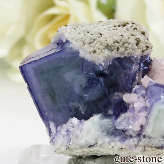 ヤオガンシャン産 ブルーフローライト 25.8gの写真3 cute stone