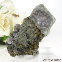 中国 福建省産 ブルー&グリーンフローライトの母岩付き結晶(原石)24gの画像