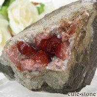 ペルー産 ロードクロサイト(インカローズ)の母岩付き結晶(原石) 123gの画像