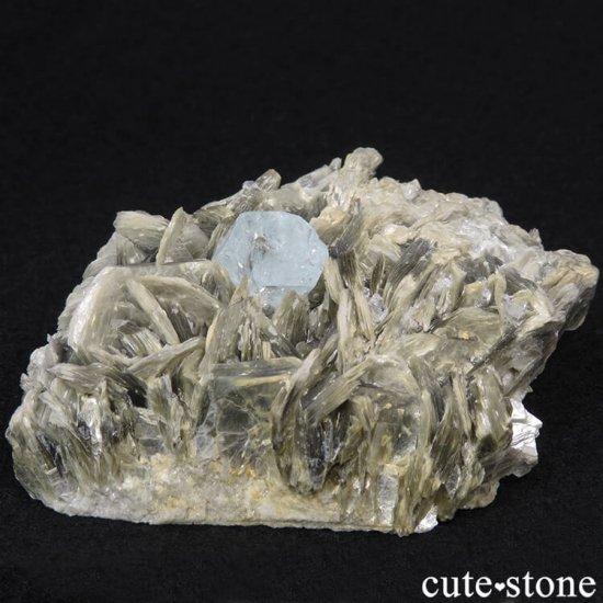 パキスタン産 アクアマリンの母岩付き結晶(原石) 224gの写真1 cute stone