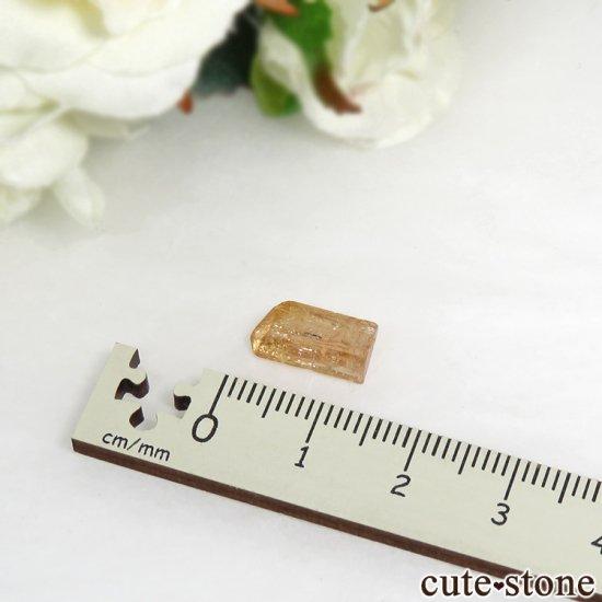インペリアルトパーズの単体結晶(原石) 3.2ctの写真3 cute stone