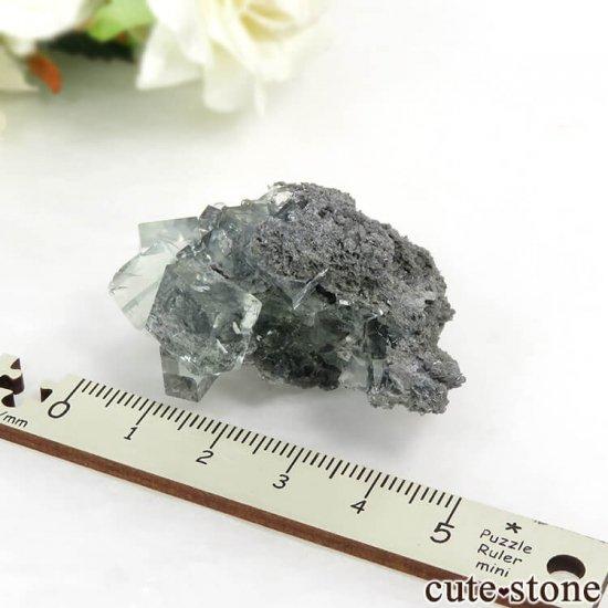 中国 Xianghualing Mine産 グリーンフローライトの母岩付き結晶(原石) 31gの写真6 cute stone