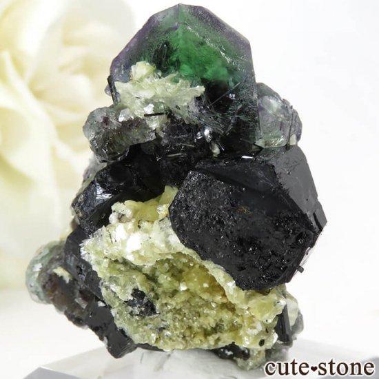 ナミビア エロンゴ産 グリーンフローライト&ブラックトルマリンの原石 27gの写真1 cute stone