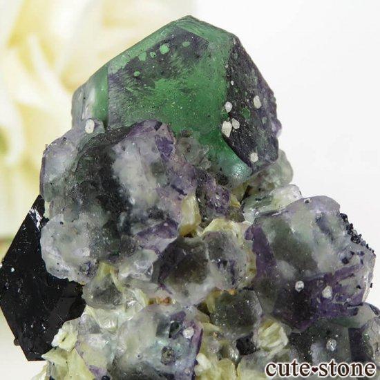 ナミビア エロンゴ産 グリーンフローライト&ブラックトルマリンの原石 27gの写真3 cute stone