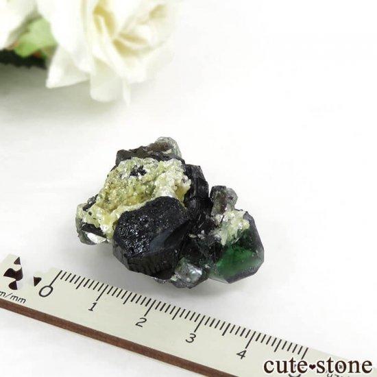 ナミビア エロンゴ産 グリーンフローライト&ブラックトルマリンの原石 27gの写真5 cute stone