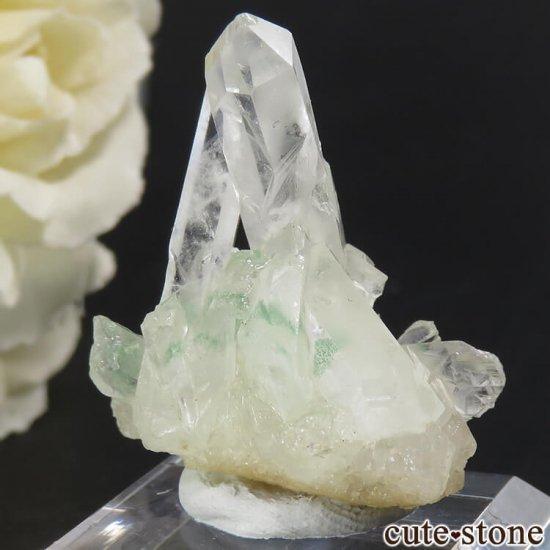 グリーンファントムクォーツ(ゴーストクォーツ)の原石 11gの写真1 cute stone
