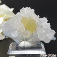 球体イエローフローライトの原石 インド産 25g(鉱物標本)の画像