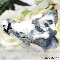 カリフォルニア産 ベニトアイト&ネプチュナイトの母岩付き結晶(原石) 7.4gの画像