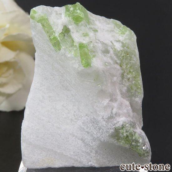 ベトナム産 パーガサイトの母岩付き結晶 (原石) 23g