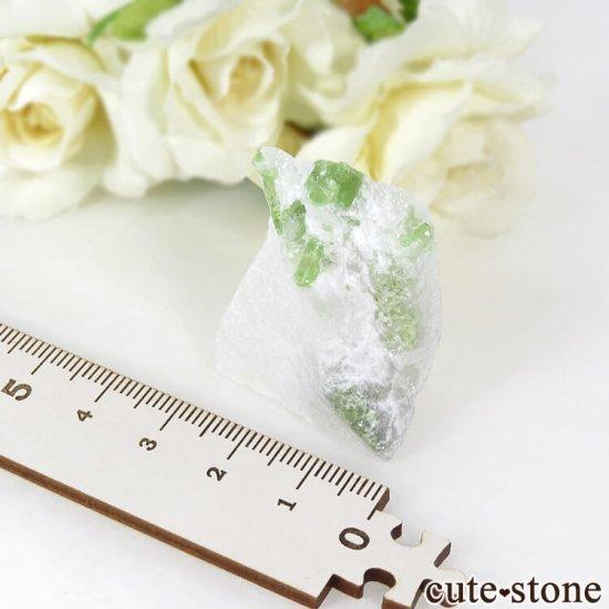 ベトナム産 パーガサイトの母岩付き結晶 (原石) 23gの写真3 cute stone