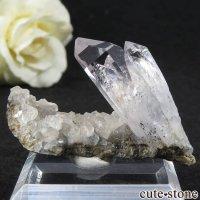 ナミビア ブランドバーグ産 水入り水晶(クォーツ)の母岩付き結晶 10.8gの画像