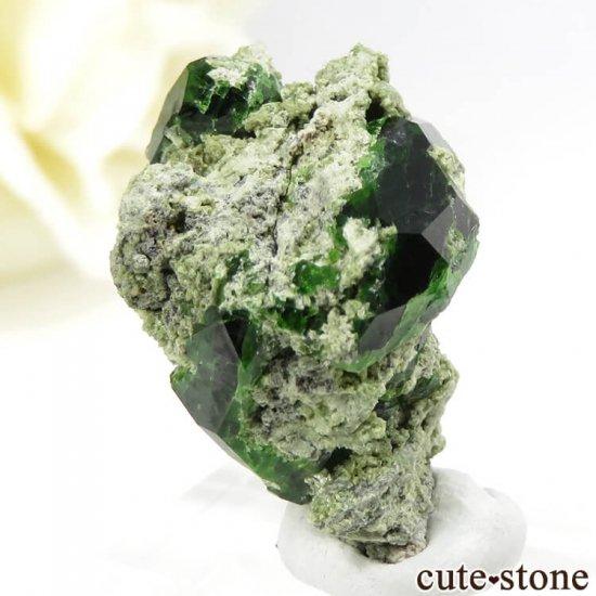 イラン Belqeys Mountain産のデマントイドガーネットの母岩付き原石 7.3gの写真0 cute stone