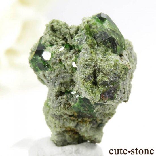 イラン Belqeys Mountain産のデマントイドガーネットの母岩付き原石 7.3gの写真2 cute stone
