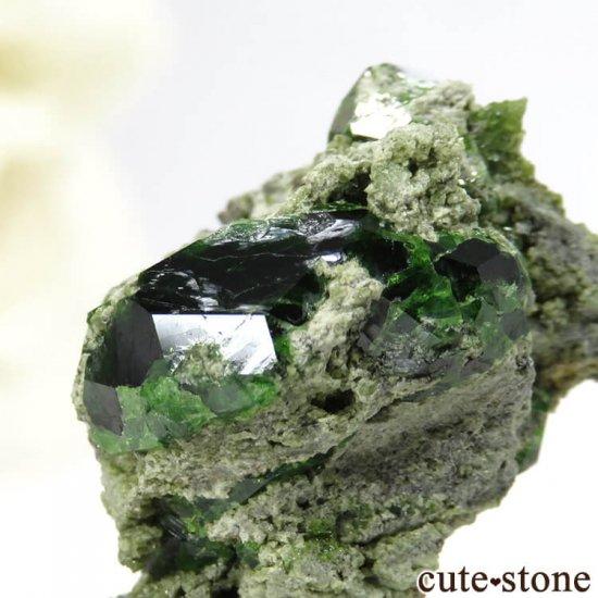 イラン Belqeys Mountain産のデマントイドガーネットの母岩付き原石 7.3gの写真3 cute stone