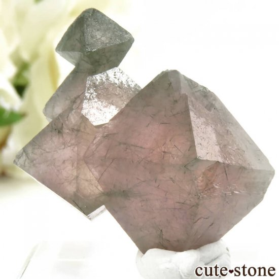 中国 内モンゴル産のピンクフローライトの結晶(原石)9.9g