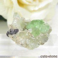 タンザニア産 ツァボライト&カルサイトでの母岩付き結晶(原石) 17.9ctの画像