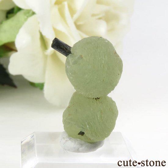 マリ産 エピドートを咥えたプレナイトだるま 2.7gの写真0 cute stone