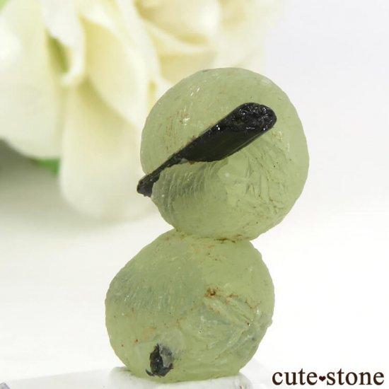 マリ産 エピドートを咥えたプレナイトだるま 2.7gの写真1 cute stone