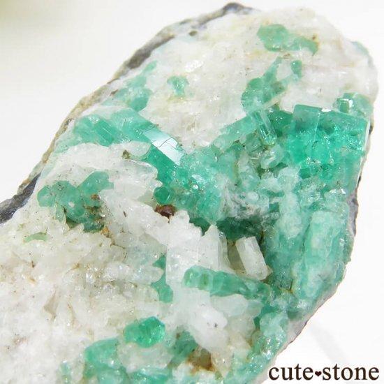 コロンビア Chivor Mine産 エメラルドの母岩付き結晶(原石)6.4gの写真6 cute stone