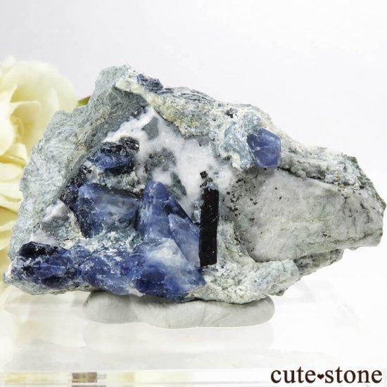 カリフォルニア産 ベニトアイト&ネプチュナイトの母岩付き結晶(原石) 24.2g