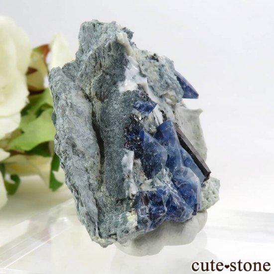 カリフォルニア産 ベニトアイト&ネプチュナイトの母岩付き結晶(原石) 24.2gの写真2 cute stone