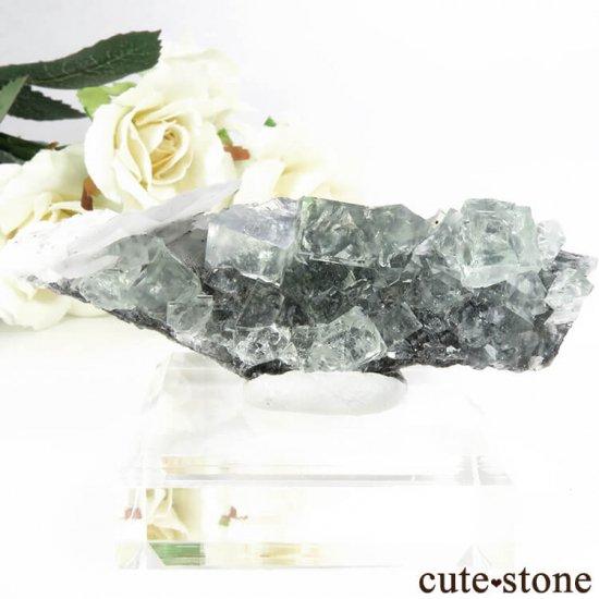 中国 Xianghualing Mine産 グリーンフローライト&カルサイトの母岩付き結晶(原石) 46.9g