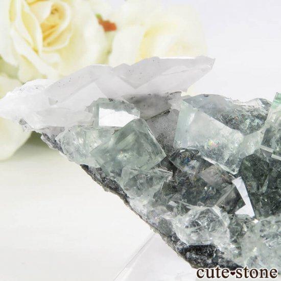 中国 Xianghualing Mine産 グリーンフローライト&カルサイトの母岩付き結晶(原石) 46.9gの写真4 cute stone