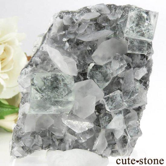 中国 Xianghualing Mine産 グリーンフローライト&カルサイトの母岩付き結晶(原石) 32gの写真1 cute stone