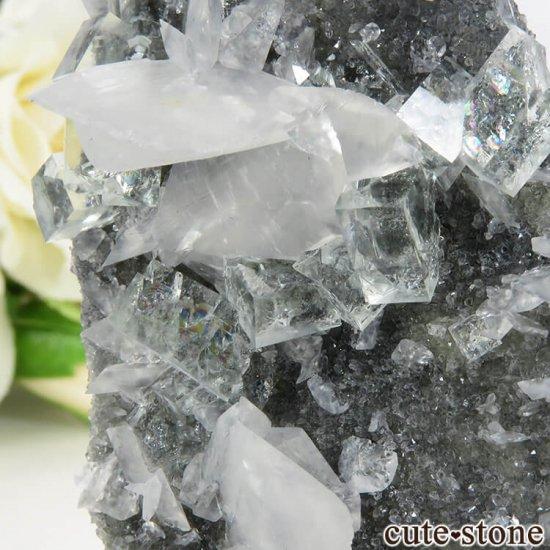 中国 Xianghualing Mine産 グリーンフローライト&カルサイトの母岩付き結晶(原石) 32gの写真3 cute stone