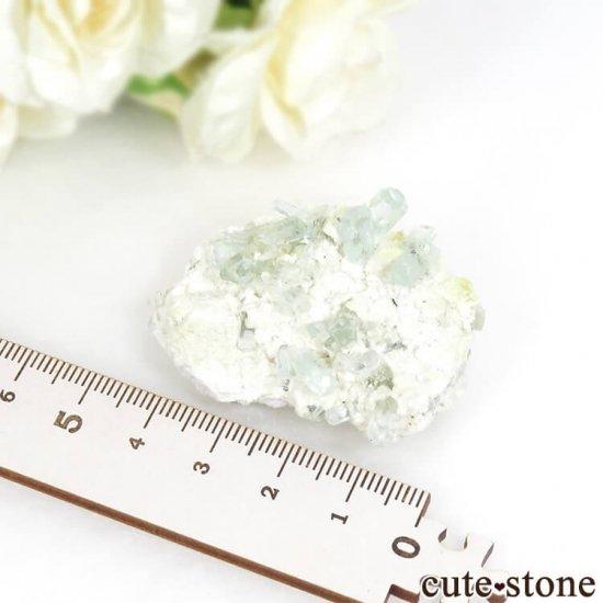 ナミビア エロンゴ産 アクアマリンの母岩付き結晶(原石)20.4gの写真6 cute stone