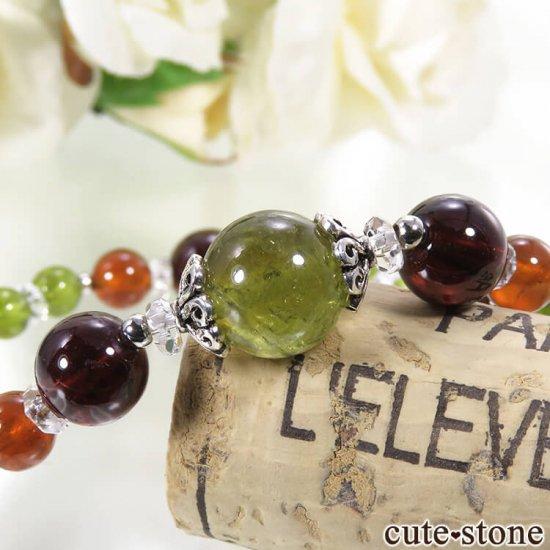 【冬隣】 グリーンガーネット、ヘソナイト、ガーネットのブレスレットの写真2 cute stone