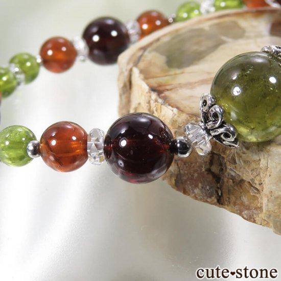 【冬隣】 グリーンガーネット、ヘソナイト、ガーネットのブレスレットの写真3 cute stone