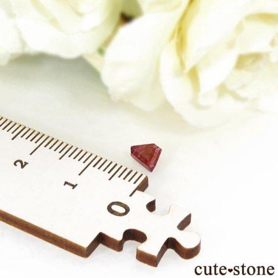 ミャンマー モゴク産 レッドスピネルの双晶 0.6ctの写真3 cute stone