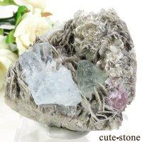 パキスタン産 アクアマリン&グリーンフローライト&ピンクアパタイトの母岩付き結晶(原石) 238gの画像