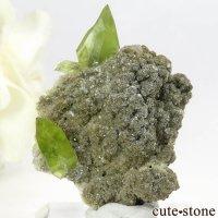 パキスタン Tormiq valley産 スフェーンの母岩付き原石 7.2gの画像