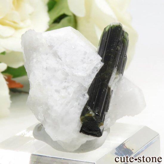 パキスタン スカルドゥ産 グリーントルマリンの母岩付き結晶(原石) 18gの写真0 cute stone