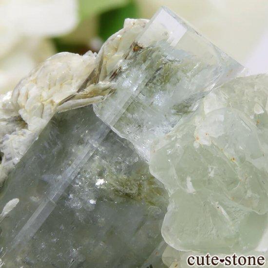 パキスタン Chumar Bakhoor産 アクアマリン&グリーンフローライトの結晶(原石) 17.9gの写真4 cute stone