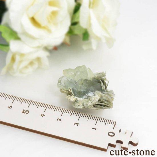 パキスタン Chumar Bakhoor産 アクアマリン&グリーンフローライトの結晶(原石) 17.9gの写真5 cute stone