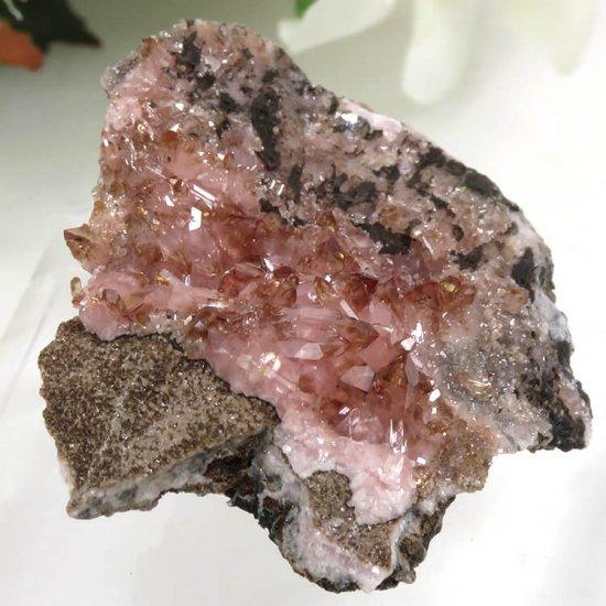 南アフリカ N'Chwaning I Mine産 ロードクロサイトの母岩付き結晶(原石)10.3gの写真0 cute stone