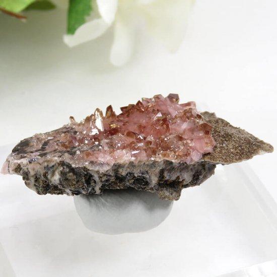 南アフリカ N'Chwaning I Mine産 ロードクロサイトの母岩付き結晶(原石)10.3gの写真1 cute stone