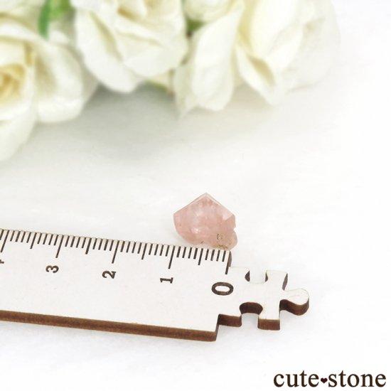 フランス モンブラン産 ピンクフローライトの結晶(原石) 5.9ctの写真4 cute stone